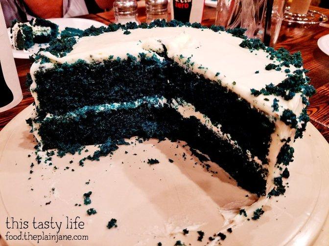 blue-velvet-cake-inside