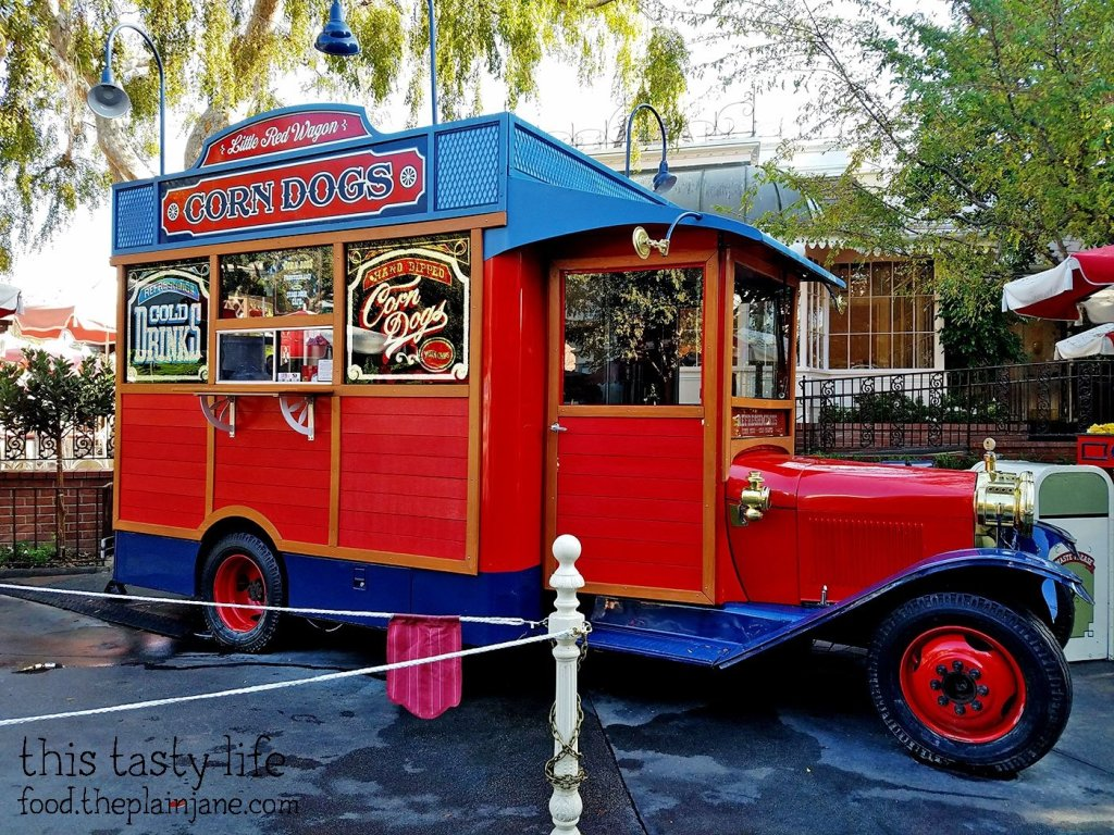 little-red-wagon-disneyland