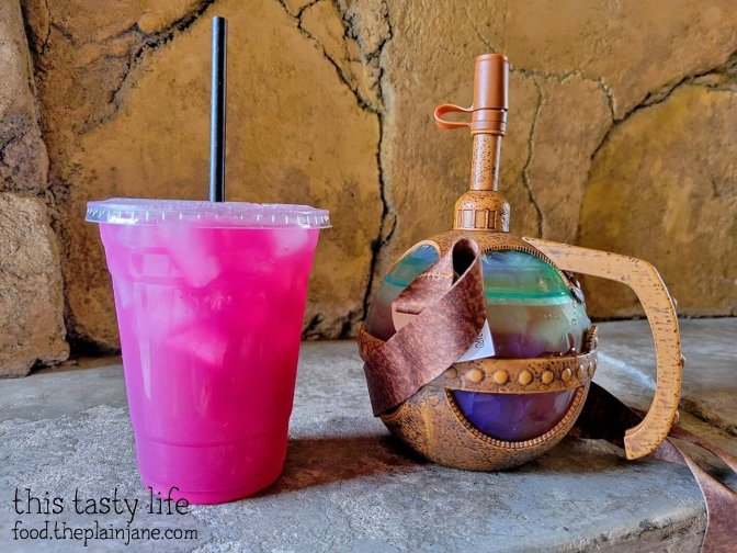Meiloorun Juice and Tatooine Sunset drinks at Galaxy's Edge in Disneyland