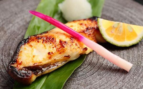 低塩分で豊富な栄養!白みをおいしく食べる、銀だらの西京焼きのレシピ!