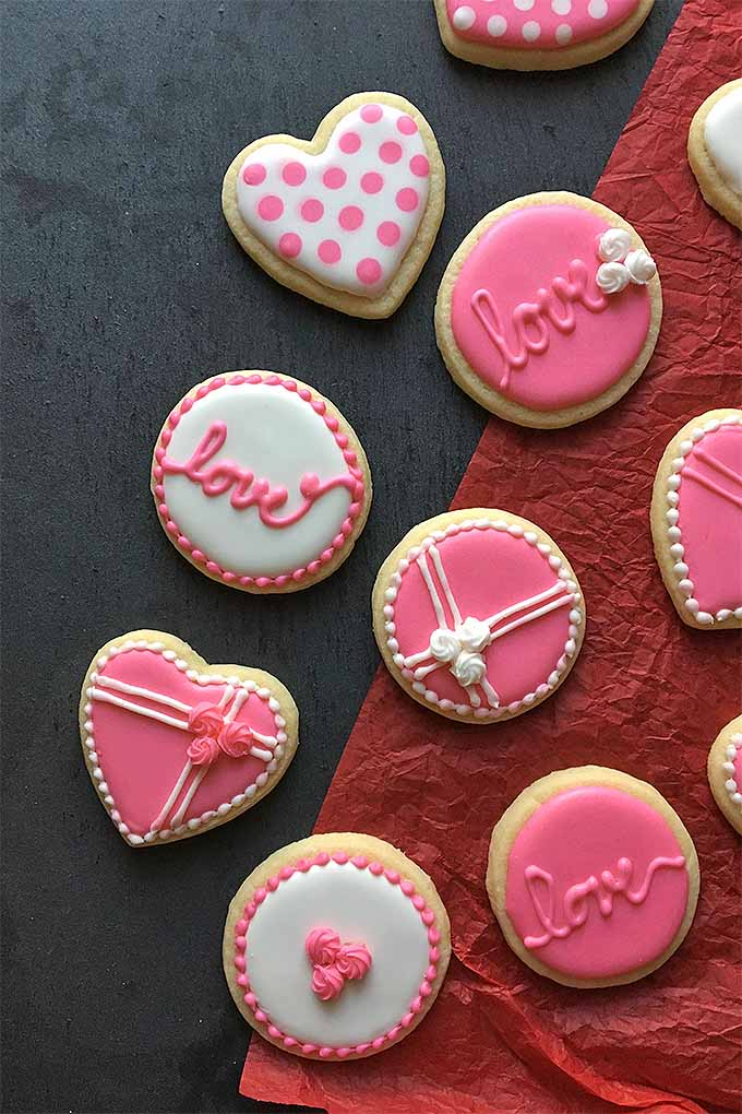 The Cutest Cookie Decorating Tips for Valentine s Day   Foodal Learn how to make the cutest cookies for Valentine s Day  with our  decorating tips