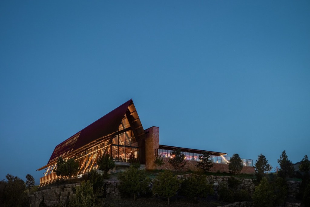 The stunning architecture of Sierra Restaurant in Lonetree, CO
