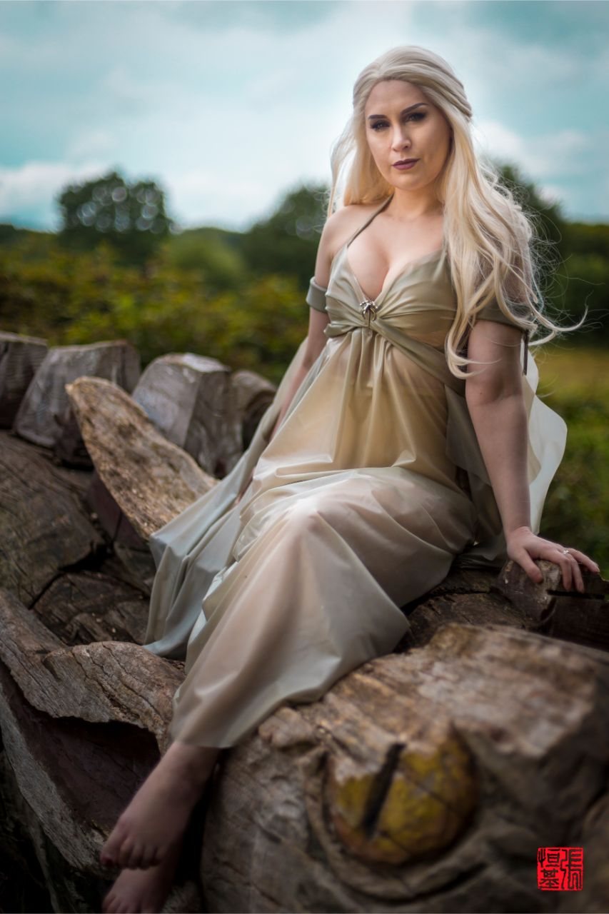 Latex Daenerys Targaryen / Game of Thrones by Mojo Jones
