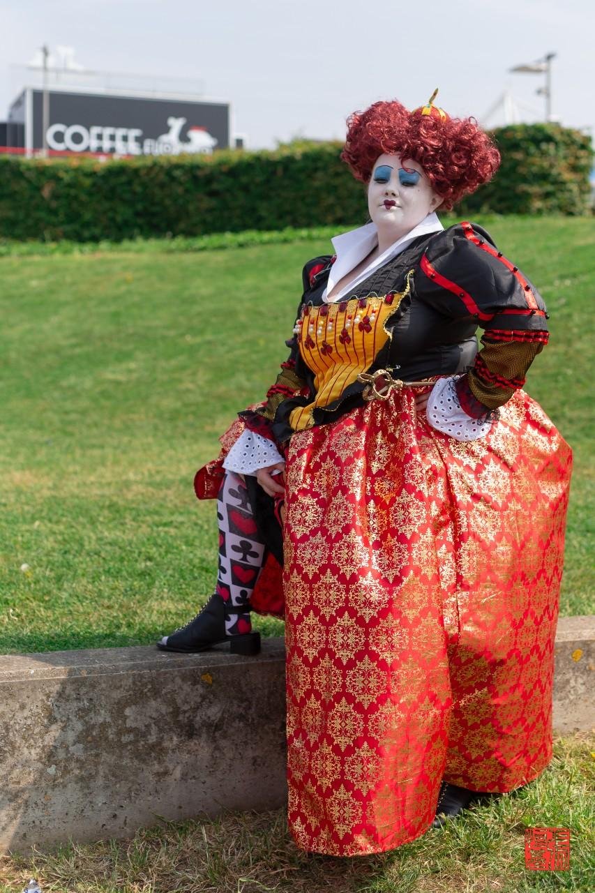 Red Queen / Alice in Wonderland by ChewieDaniels