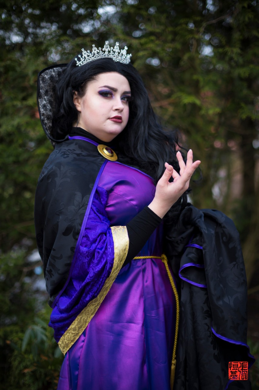 Evil Queen / Snow White by Snowflakehime Cosplay