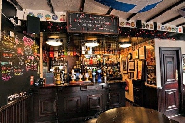 5 Of The Best Pubs In Edinburgh For A Cheap Pint