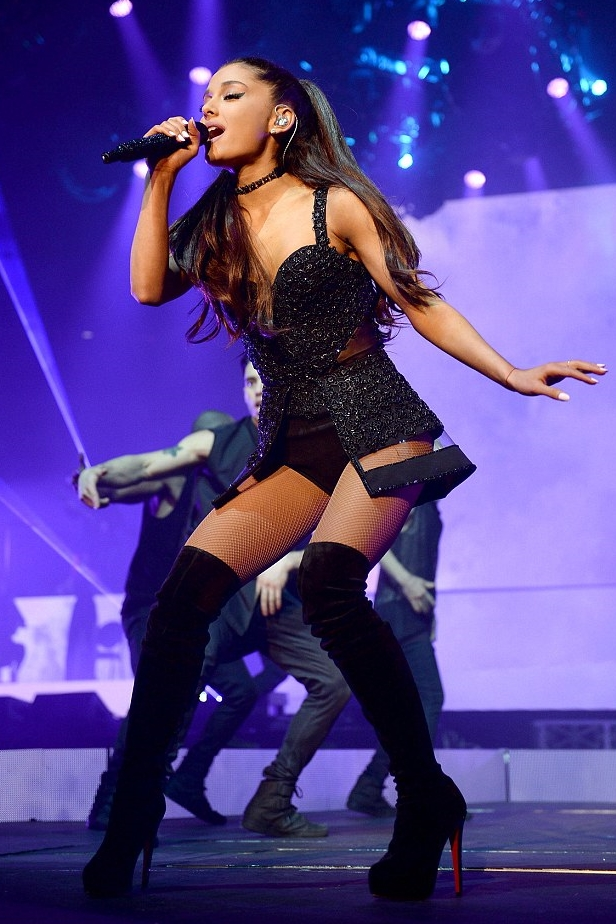 Ariana Grande Overheard Saying 'she hoped her fans would all f***ing die'