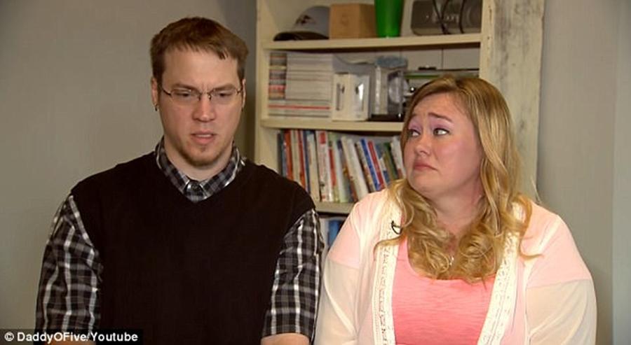 YouTubers 'DaddyOFive' who played extreme pranks on kids lose custody