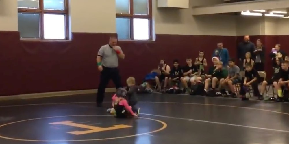 VIDEO: Little brother tries to defend his sister during a wrestling match