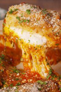 Mozzarella-Stuffed Chicken Parm