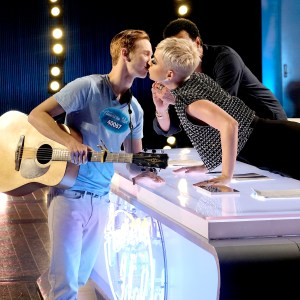 American Idol Contestant Katy Perry's Kiss 'was uncomfortable'