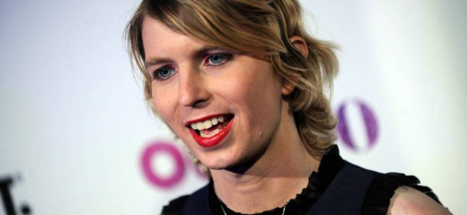 Chelsea Manning attempts suicide in jail according to legal team