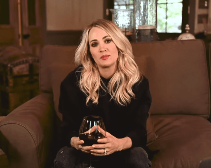 'Drinking Alone' On Her Couch; Carrie Underwood Drank Red Wine And Sang Her Song