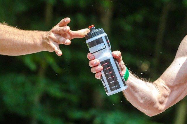 Fitness tips voor beginners tip 4:  Blijf voldoende water drinken tijdens je training.