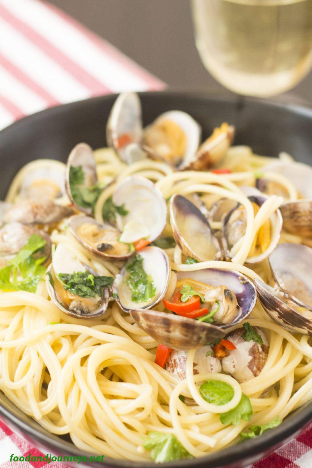Spaghetti alle Vongole|foodandjourneys.net