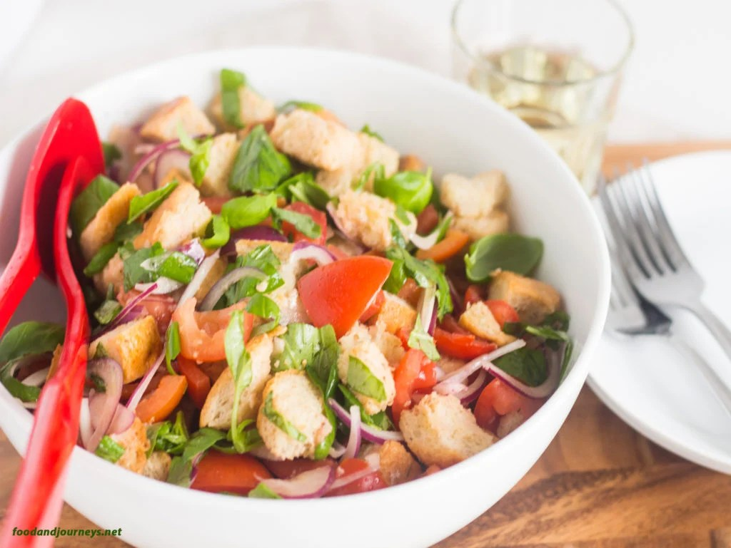 Panzanella (Bread and Tomato Salad)|foodandjourneys.net