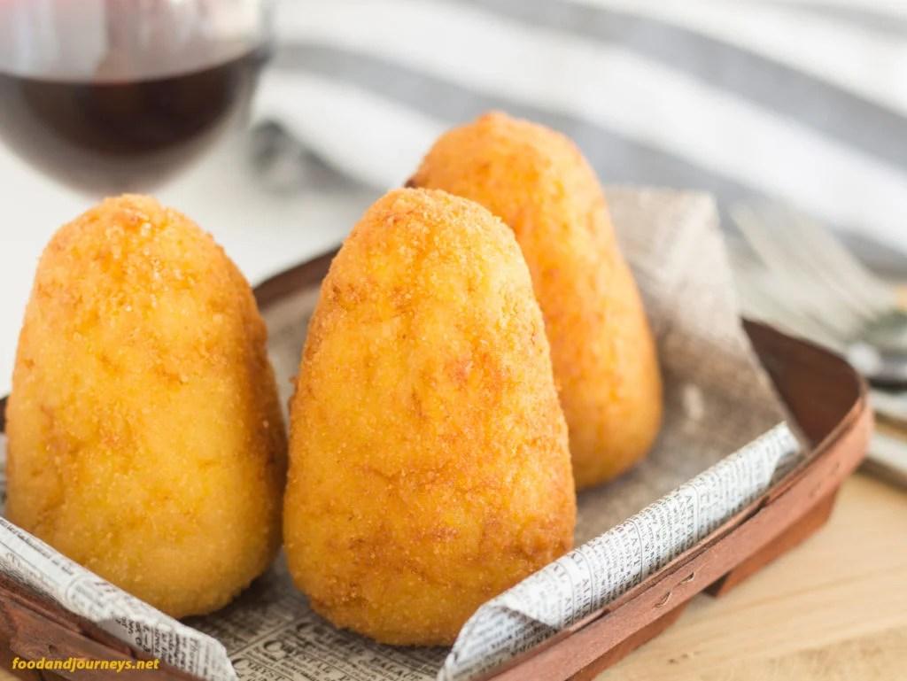 Arancini Siciliani (Sicilian Arancini)|foodandjourneys.net