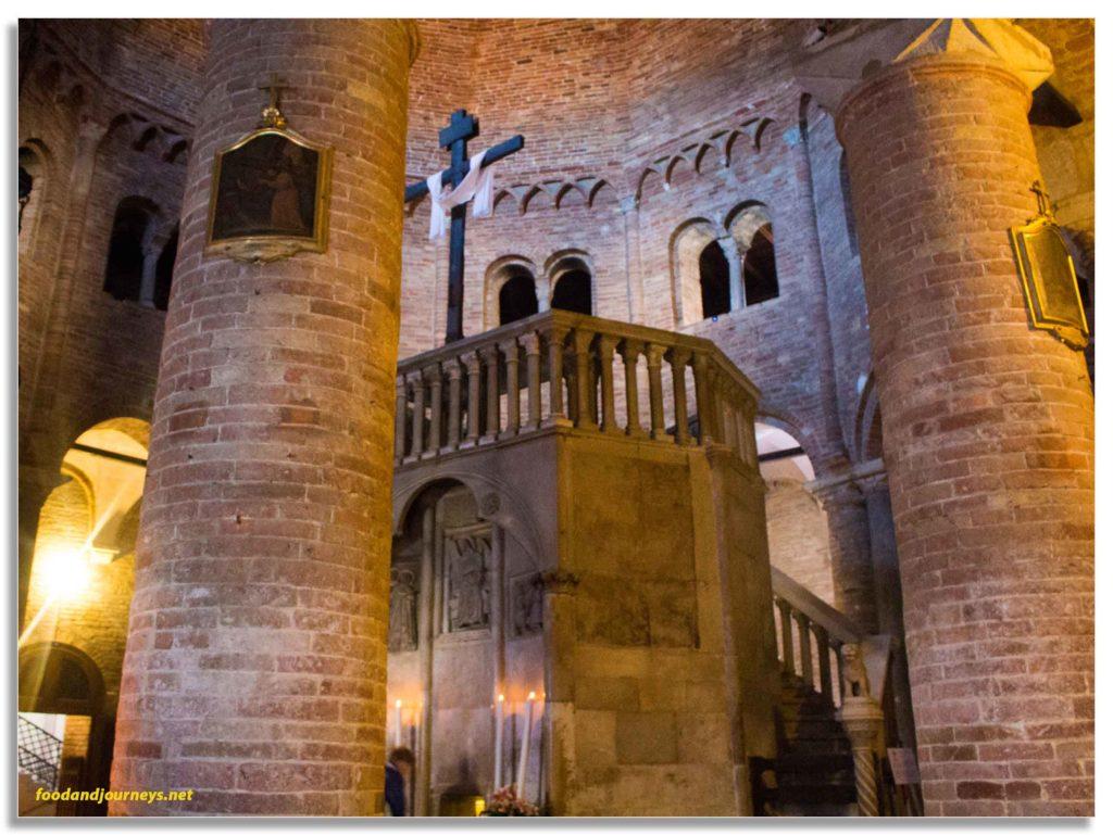 Bologna Italy Basilica Santo Stefano|foodandjourneys.net