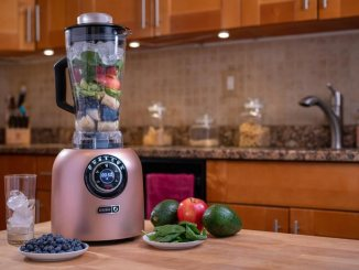 A Blender to Effortlessly Make Smoothies, Soups, Purees and More!