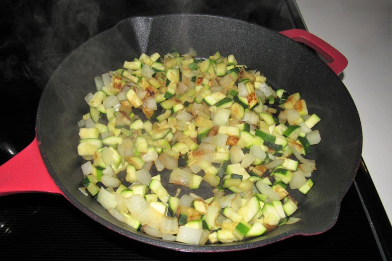 High Quality Cooking with Low Maintenance Cast Iron Skillet