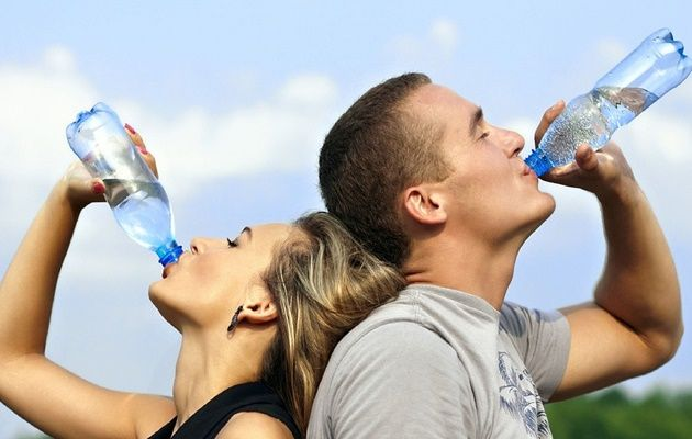 Esta app te envía alertas a lo largo del día para que no se te olvide tomar agua
