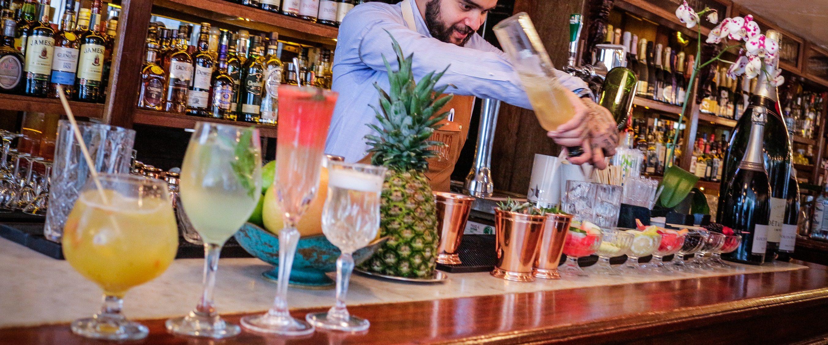 3 recetas de cócteles refrescantes para este caluroso verano en la CDMX