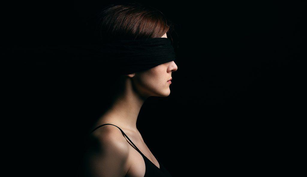 ¿Cenar con los ojos vendados? Esta aventura sensorial despierta tus sentidos y te concientiza