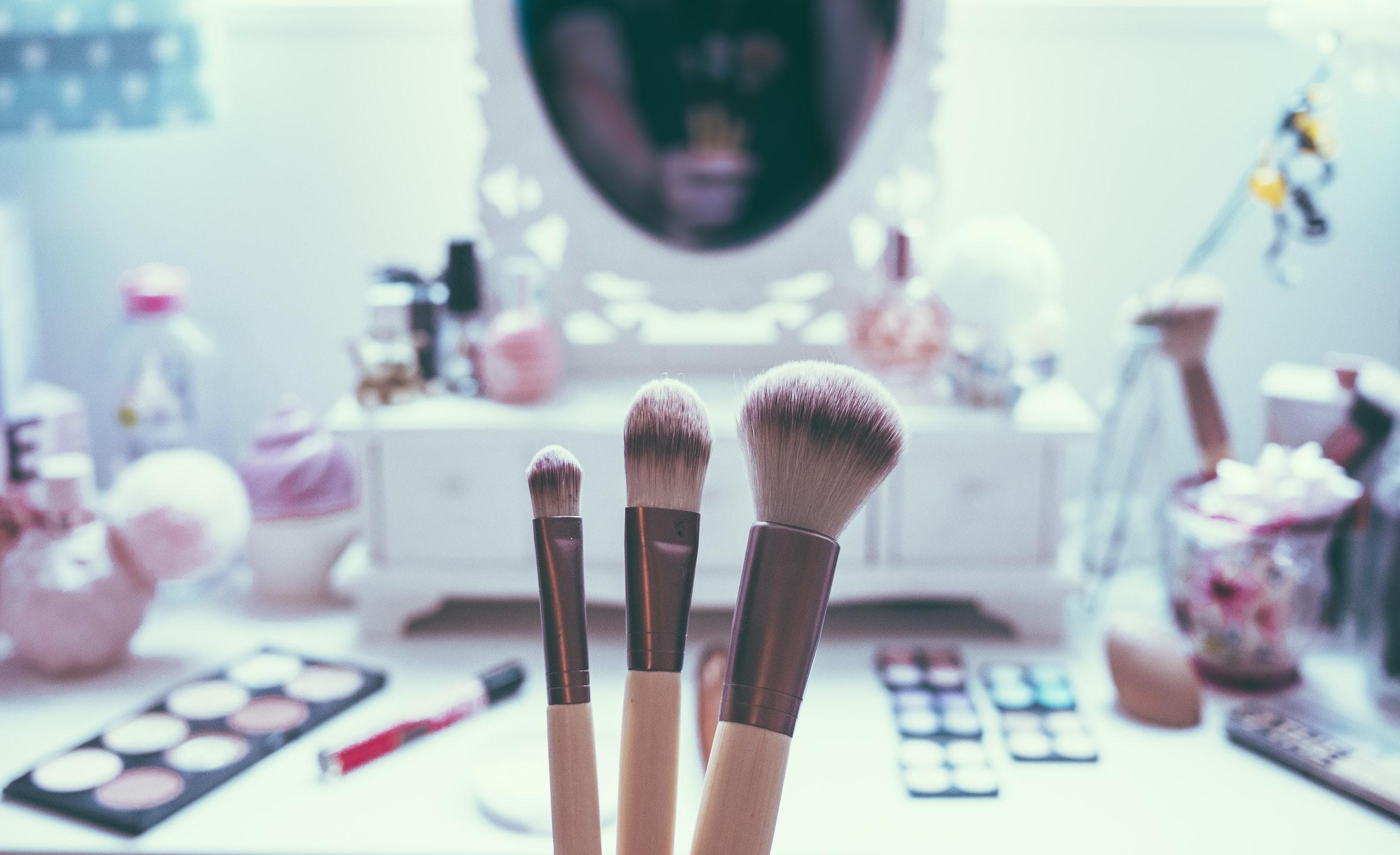 5 'youtubers' que te darán las mejores clases de maquillaje desde la comodidad de tu hogar