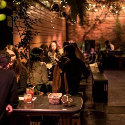 Los 7 patios más cool del momento para ir por unos 'drinks' en la CDMX