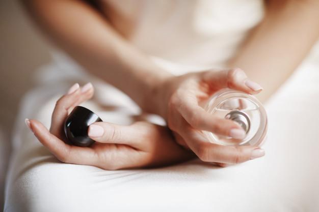 ¿Mezclar fragancias para obtener tu propio perfume? Te decimos cómo
