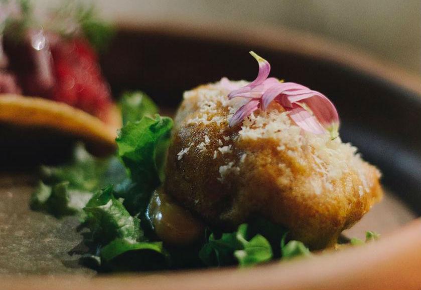 Cardo Mx: El pop-up nómada que lleva una experiencia culinaria de altura hasta el comedor de tu casa