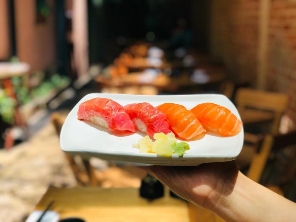 CDMX: 7 terrazas y patios para comer sushi al aire libre (su entorno es lo más)
