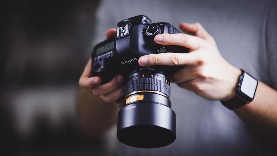 Aprende a tomar espectaculares fotos en casa con estos 6 cursos de fotografía online