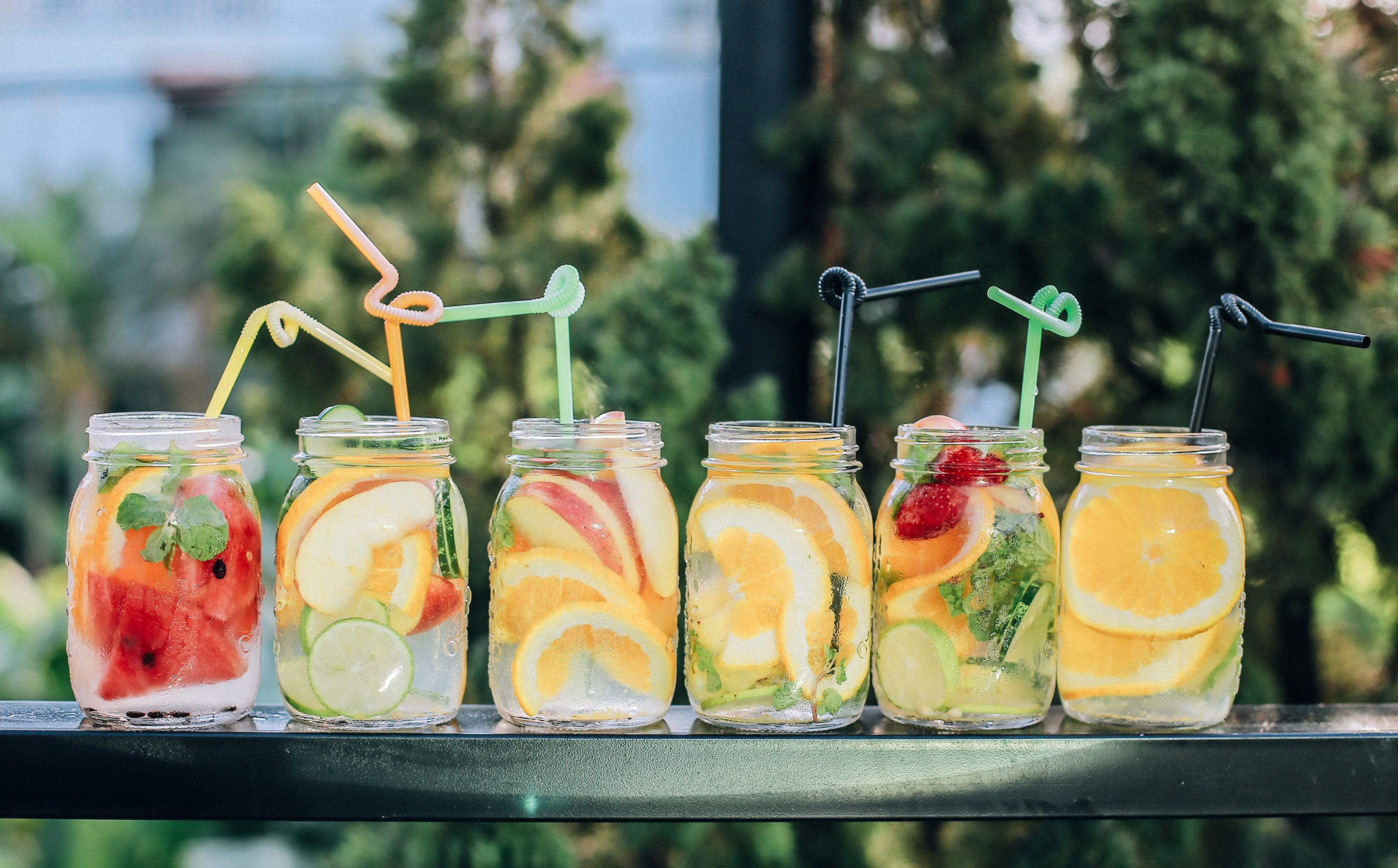 5 infusiones refrescantes que puedes preparar en casa esta primavera