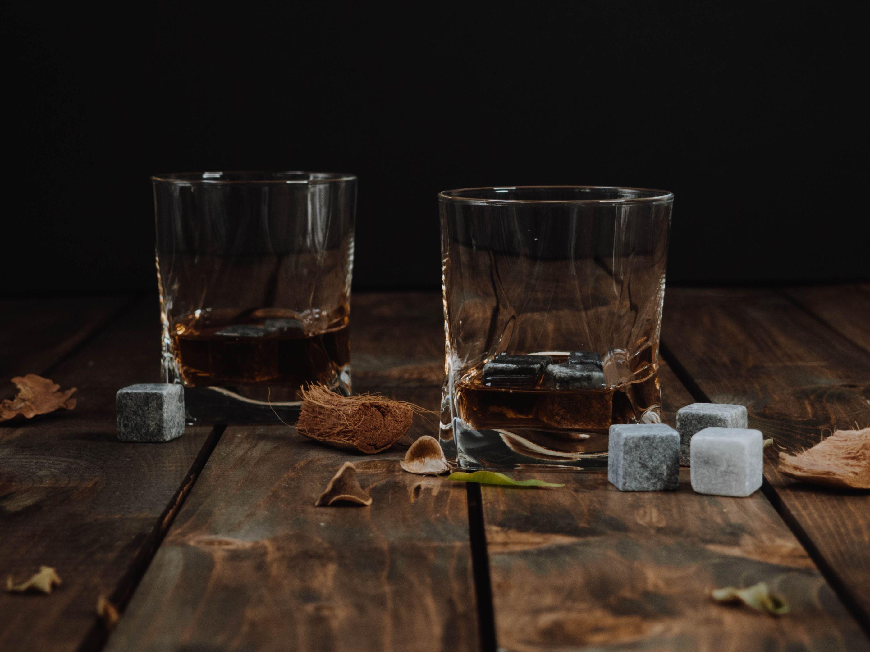 8 datos que todo fanático del whisky debe conocer acerca de esta bebida
