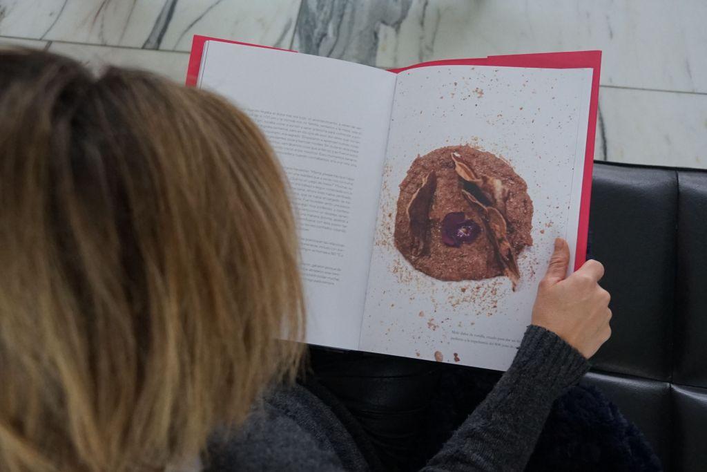 De negro a rosa: El libro de Ana Martorell que debe estar en la 'coffee table' de todo foodie