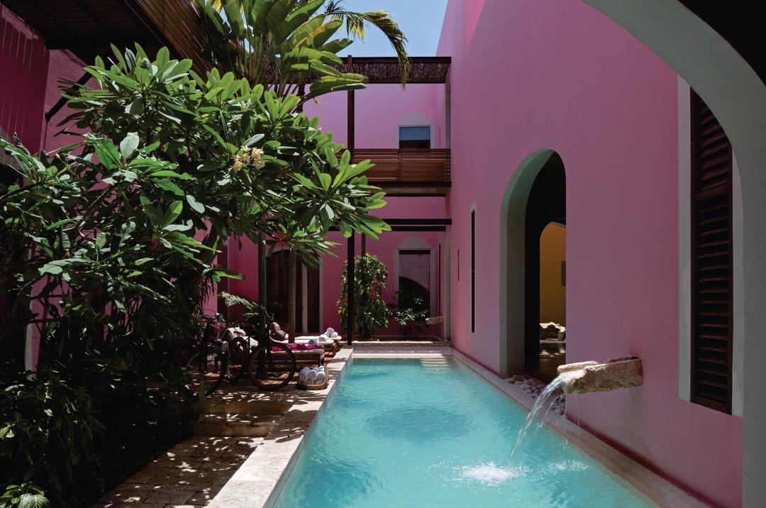 Hoteles de color rosa que DEBES conocer en México  (todos son espectaculares)