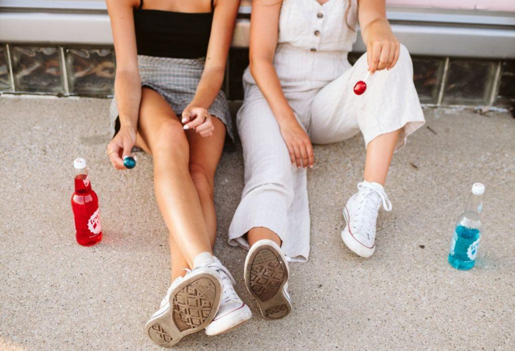 Las 'Hard Seltzers' son la bebida más 'trendy' del momento (y te decimos nuestras favoritas)