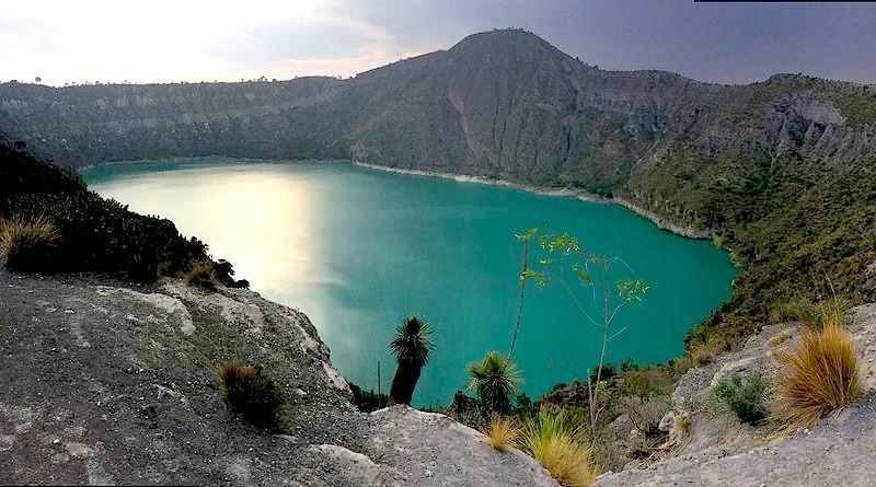 Bucea en una laguna volcánica a menos de tres horas de la CDMX