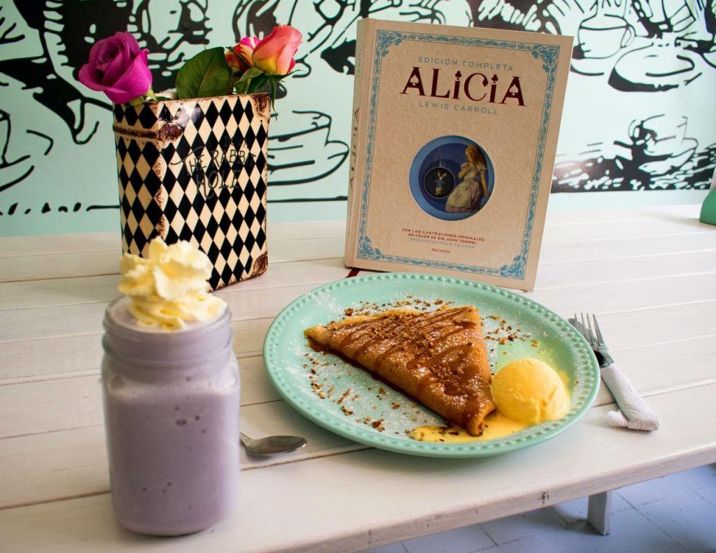 Down The Rabbit Hole: la cafetería de la CDMX inspirada en 'Alice in Wonderland'