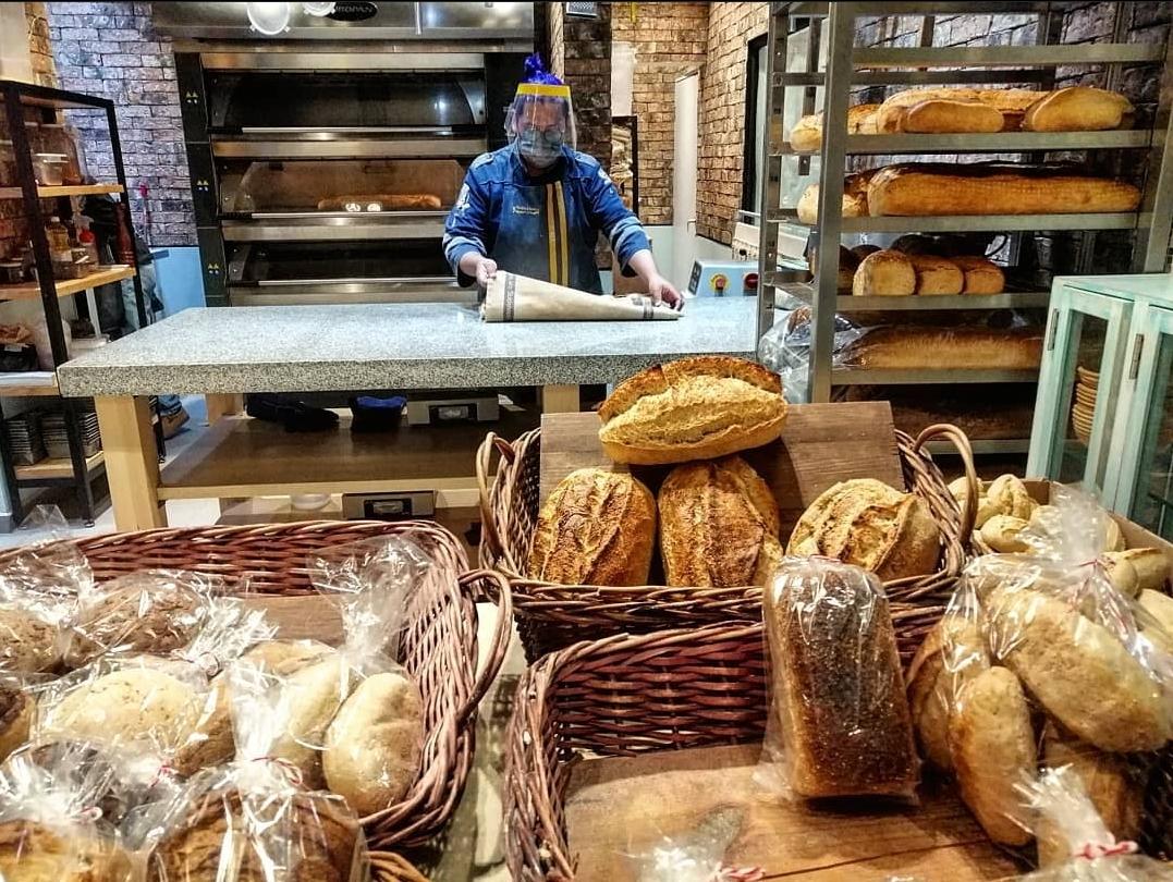 Este taller oculto te enseña a preparar pan de masa madre con trigo 100% mexicano