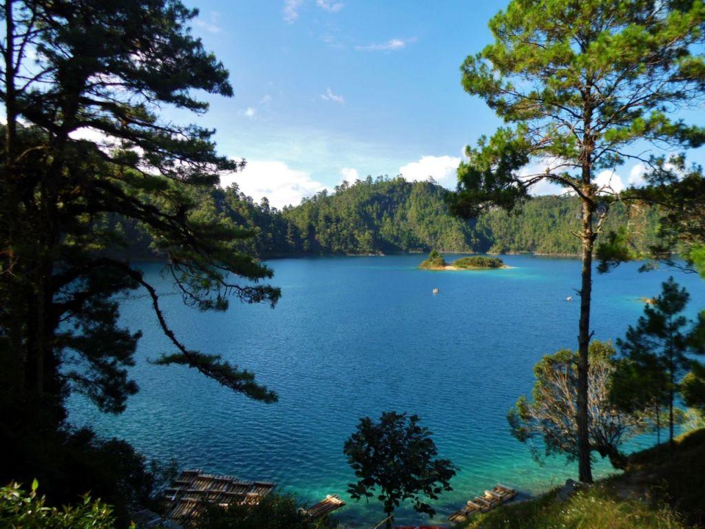Lagunas de Montebello, aguas azul turquesa para nadar en San Cristóbal de la Casas