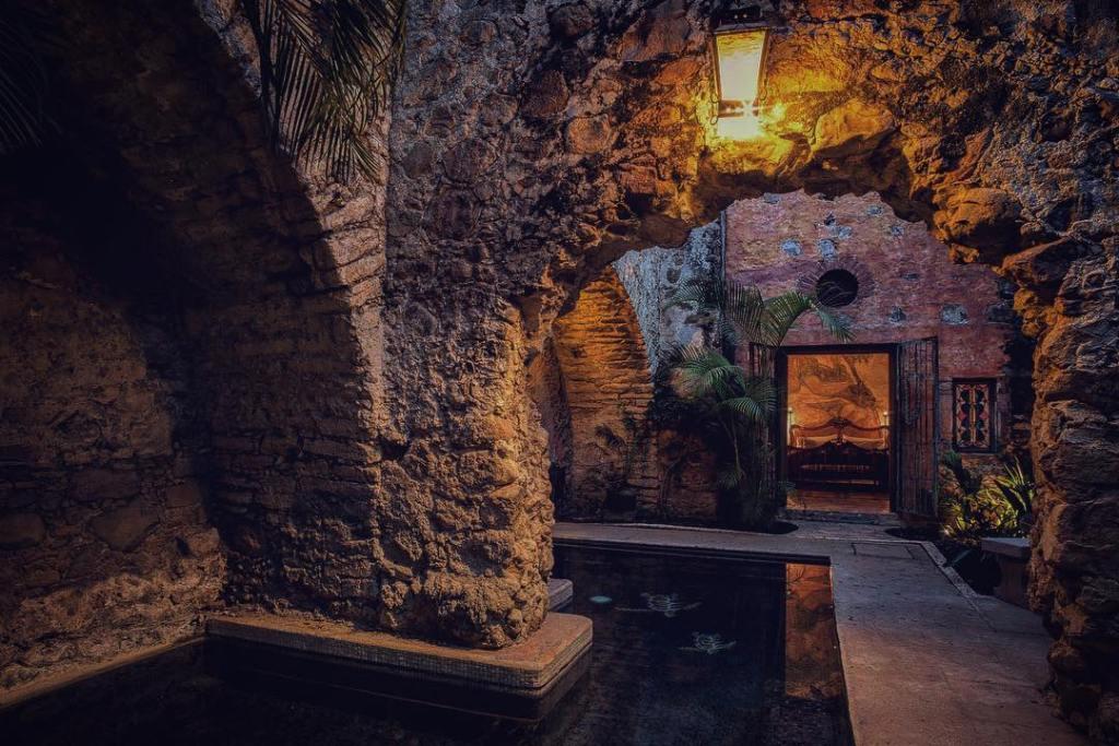 Esta hacienda a menos de dos horas de la CDMX es la más romántica de Morelos (con sus jardines secretos y rinconcitos escondidos)