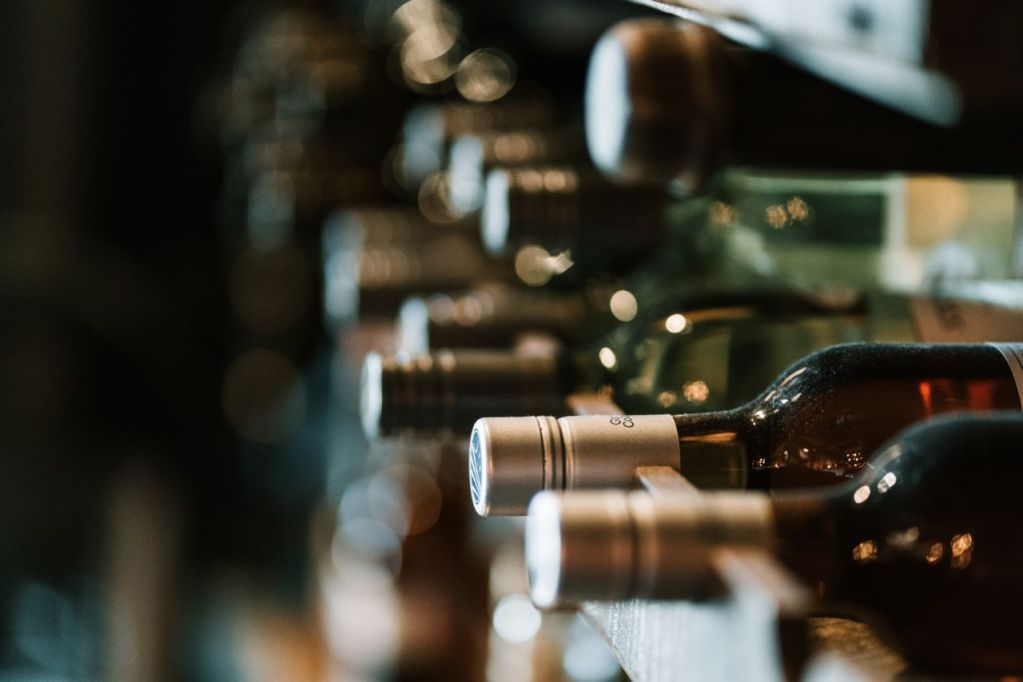 Arma la mejor cava en casa con estos vinos y destilados (creados para sibaritas)