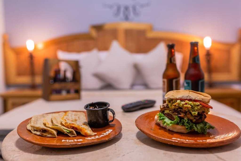 Conoce el primer hotel y co-working dedicado a la cerveza en la CDMX ( habitaciones temáticas y gran vista)