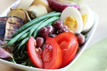 Nicoise salad with grilled vegetables and basil-mustard vinaigrette