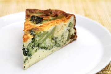 Broccoli and clothbound cheddar torta