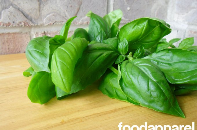 Basil: Food in the Nude