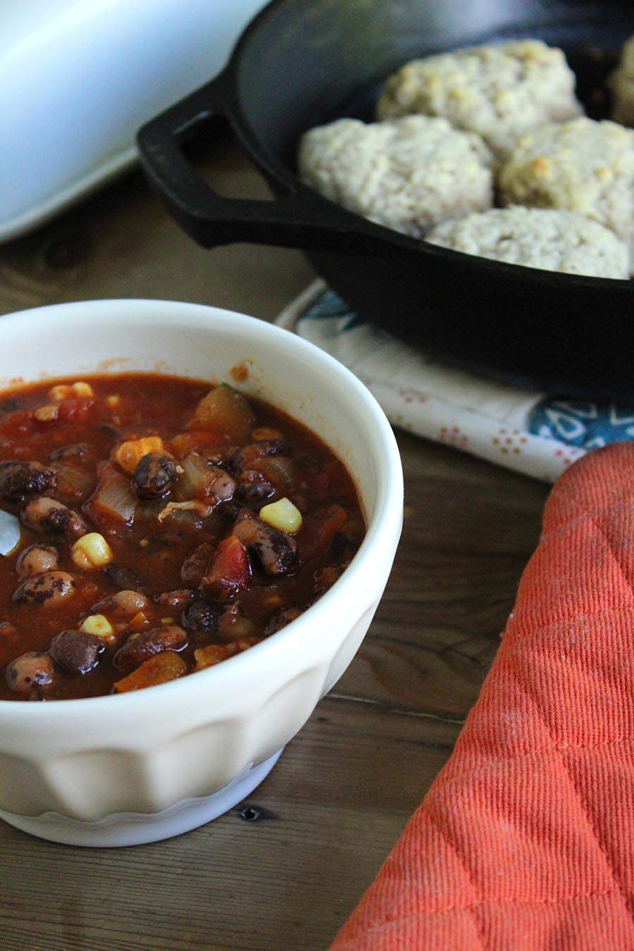 Vegetarian Crockpot Chili Recipe - for an easy hands off hearty chili!