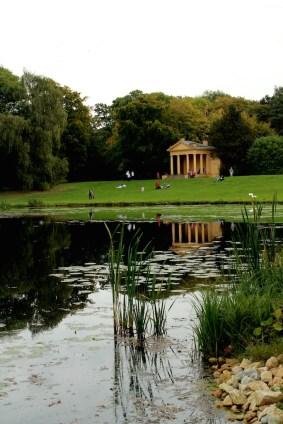 19-Stowe Garden